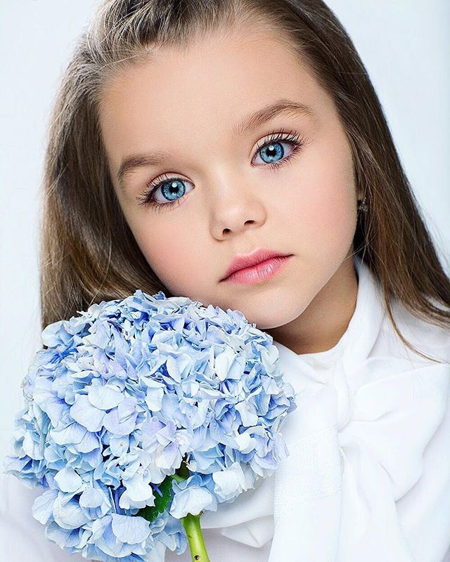 The Worlds Most Beautiful Girl Is Only Six Years Old But There Is