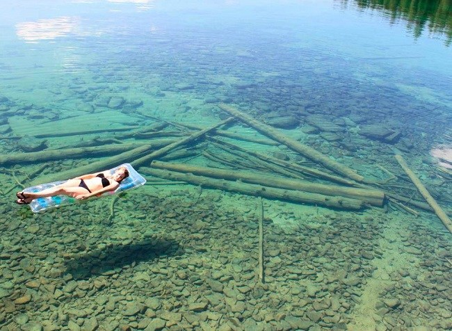 Crystal clear Lake in Montana