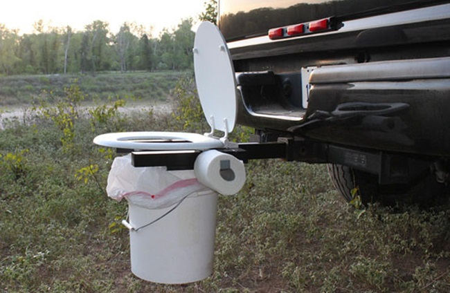 Portable potty for outdoorsy people