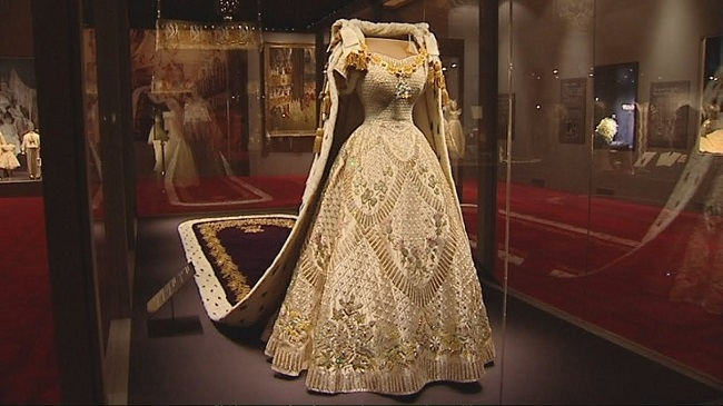 queen elizabeth s coronation gown contained a hidden secret that she too didn t know about hidden secret that she too didn t know