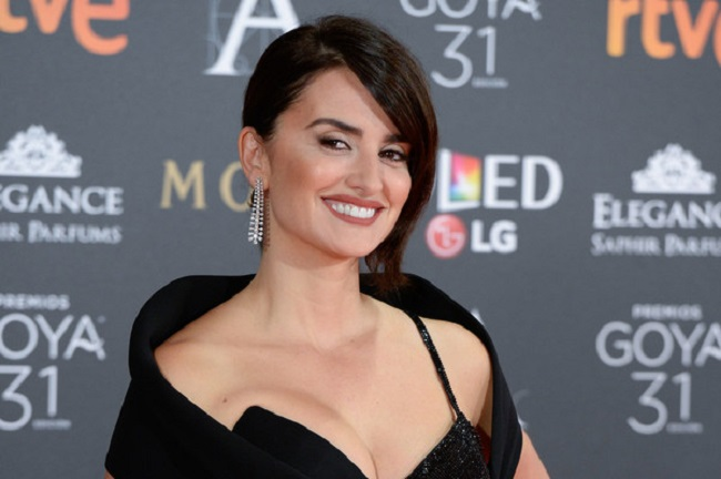 15 Pictures Which Prove Penelope Cruz Is The Fiercest Fashion Icon In Hollywood