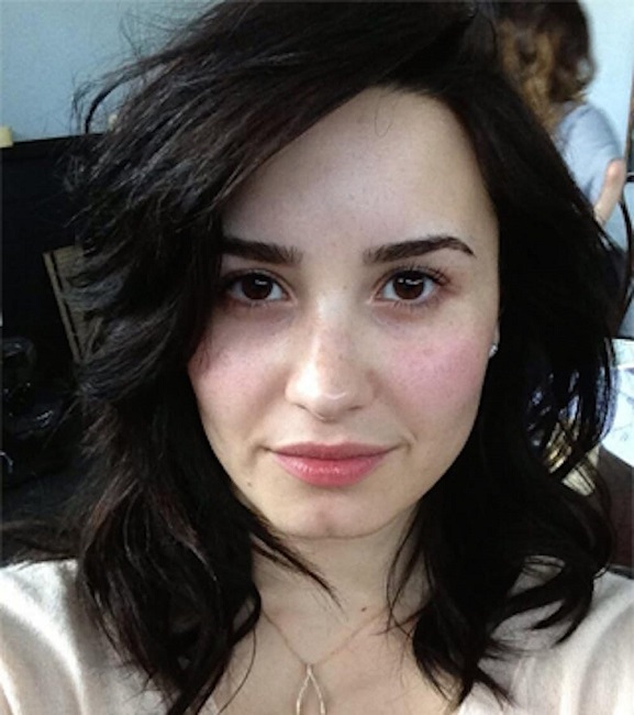 Demi Lovato has the penchant to go makeup-free
