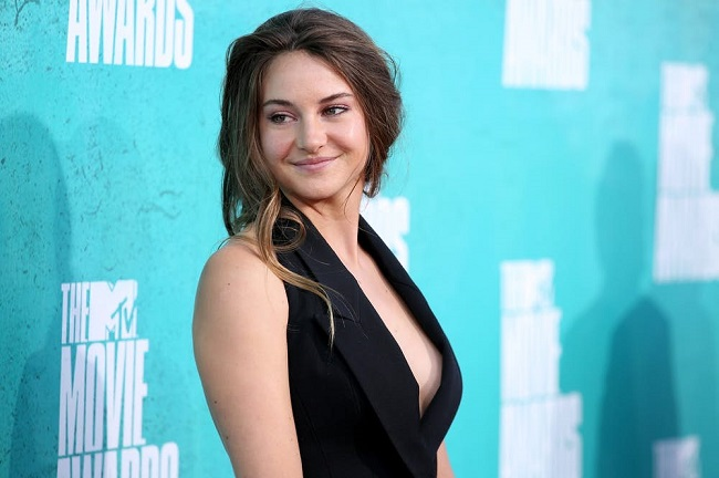 Shailene Woodley likes to go natural