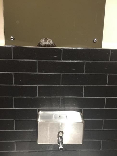 "Bathroom Selfie: 18 Things Women Over 5'3"" Will Never Believe Short Girls"