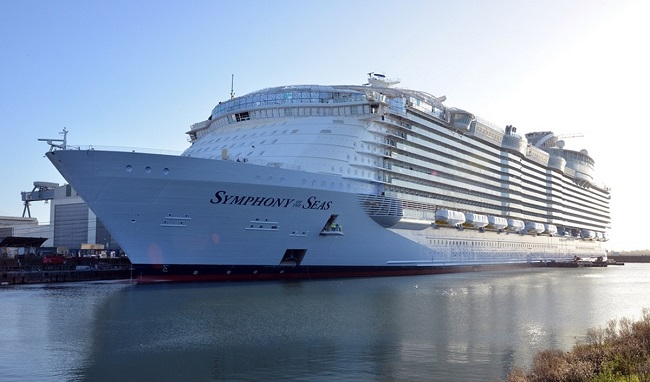 The Worlds Biggest Cruise Ship Is All Set For First Voyage - First cruise ship in the world